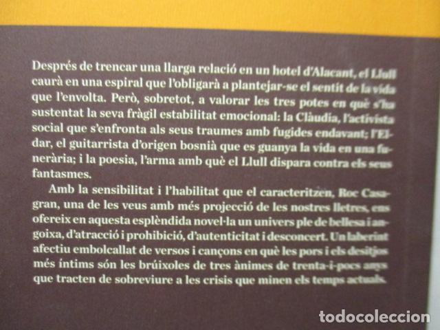 Libros de segunda mano: L'amor fora de mapa (SEMBRA LLIBRES) - Roc Casagran - Foto 12 - 160484470