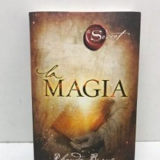 Libros de segunda mano: LIBRO THE SECRET LA MAGIA. BYRNE RHONDA. Lote 163996826