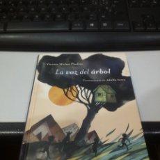 Libros de segunda mano: LA VOZ DEL ÁRBOL. Lote 165101882