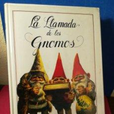Libros de segunda mano: LA LLAMADA DE LOS GNOMOS - POORTVLIET/HUYGEN - MONTENA, 1986 (UN PAR DE DEFECTILLOS)- INCLUYE PÓSTER. Lote 165873132