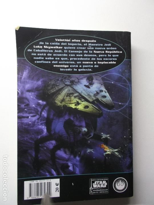 Libros de segunda mano: Novela Star Wars: Vector Prime (La Nueva Orden Jedi) - R.A: Salvatore; Alberto Santos, tapa blanda - Foto 2 - 168844120