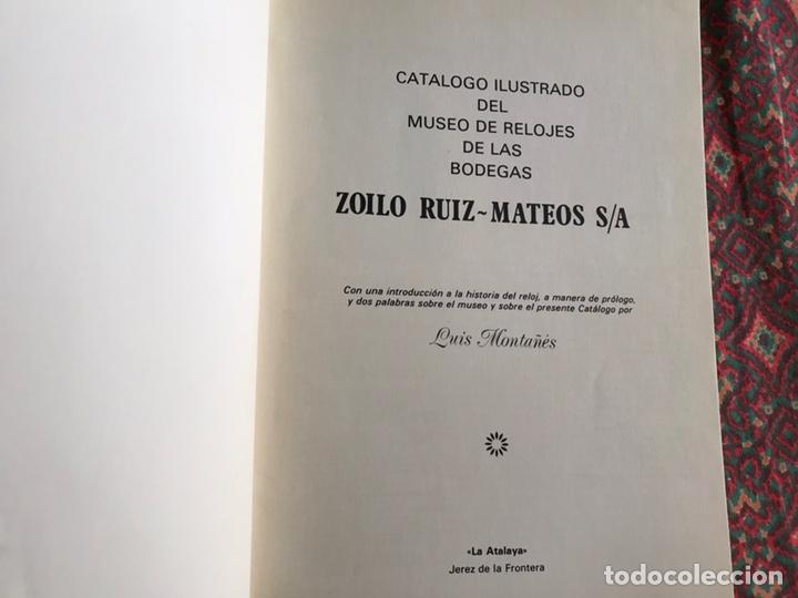 Libros de segunda mano: Catálogo ilustrado del Museo de relojes de las bodegas Zoilo-Ruiz Mateos - Foto 2 - 171966240