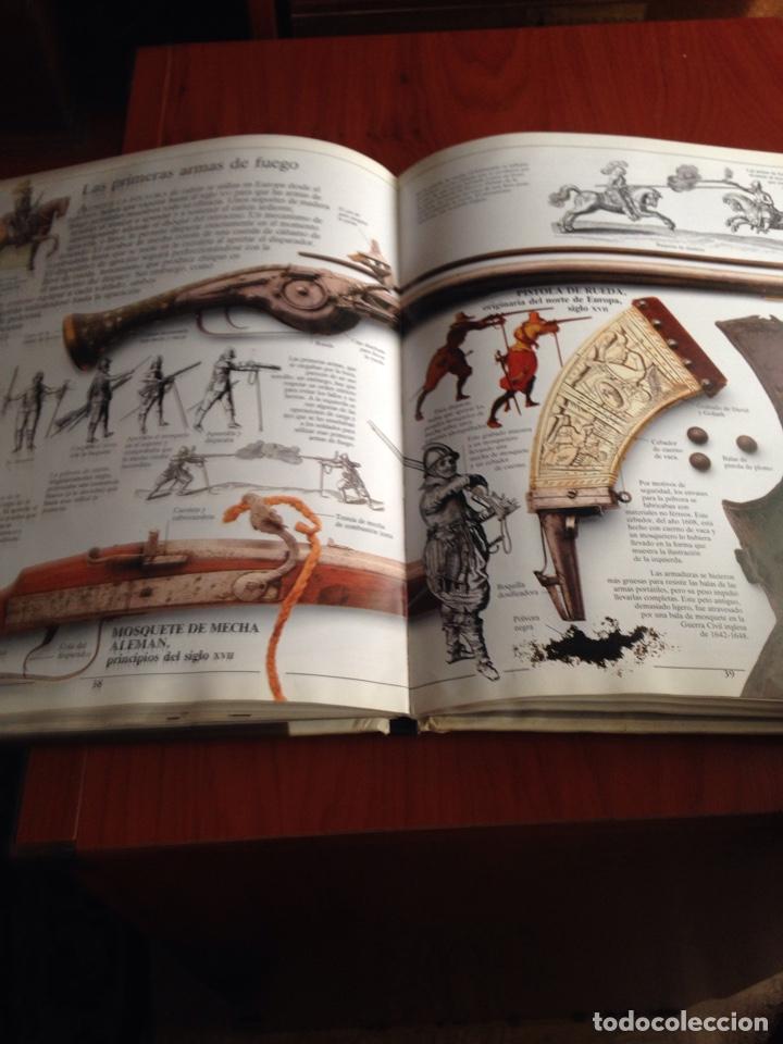 Libros de segunda mano: Libro armas y armaduras - Foto 8 - 172097834