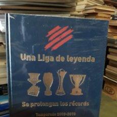 Libros de segunda mano: UNA LIGA DE LEYENDA-SE PROLONGAN LOS RÉCORDS 2009-2010. Lote 173052200