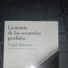 Libros de segunda mano: LA TIENDA DE LOS RECUERDOS PERDIDOS/ ANJALI BANERJEE. Lote 173355663