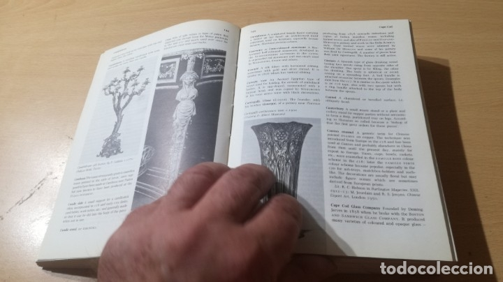 Libros de segunda mano: THE PENGUIN DICTIONARY OF DECORATIVE ARTS EN INGLES - / TEXTO 35 / ARTE OTROS - Foto 12 - 174536055