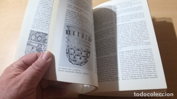Libros de segunda mano: THE PENGUIN DICTIONARY OF DECORATIVE ARTS EN INGLES - / TEXTO 35 / ARTE OTROS - Foto 27 - 174536055