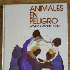 Libros de segunda mano: LIBRO - ANIMALES EN PELIGRO (1972) WORLD WILDLIFE FUND, ED. SALVAT. Lote 175236577