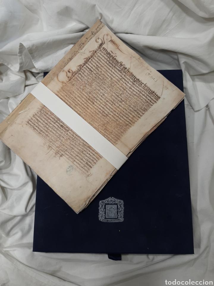 Libros de segunda mano: FACSÍMIL. TESTAMENTO DE ISABEL LA CATÓLICA. TESTAMENTO Y CODICILIO. AÑO 2002. EDICIÓN DE LUJO - Foto 3 - 176554640