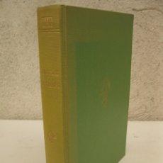 Libros de segunda mano: ISABEL II Y SU TIEMPO - CARMEN LLORCA - EDITORIAL MARFIL.. Lote 176554757