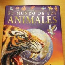 Libros de segunda mano: EL MUNDO DE LOS ANIMALES (MARTIN WALTERS / JINNY JOHNSON) PARRAGON. Lote 176976875