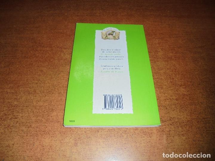 Libros de segunda mano: MEMORIAS DE UNA GALLINA (LÓPEZ NARVAEZ, C.) ILUSTRACIONES JUAN RAMÓN ALONSO. - Foto 2 - 177328194