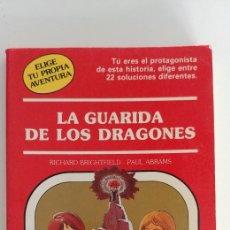 Libros de segunda mano: LA GUARIDA DE LOS DRAGONES TIMUN MAS LIBROJUEGO. Lote 177938513