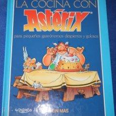 Libros de segunda mano: LA COCINA CON ASTERIX - UDERZO - TIMUN MAS (1992). Lote 178247553