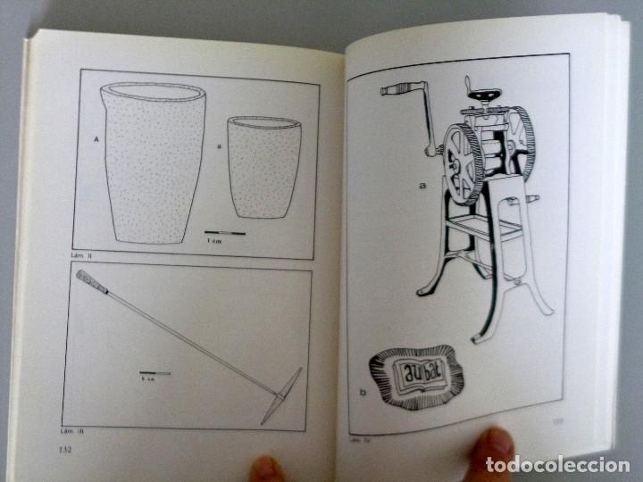 Libros de segunda mano: Mª LUISA DE QUINTO ROMERO // LOS BATIHOJAS. ARTESANOS DEL ORO // 1984 - Foto 2 - 178338546