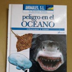 Libros de segunda mano: TIBURONES BBC LIBRO MÁS DVD NUEVO . Lote 178850938