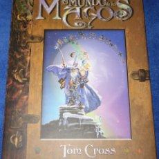 Libros de segunda mano: EL MUNDO DE LOS MAGOS - TOM CROSS - EDAF (2002). Lote 179337036