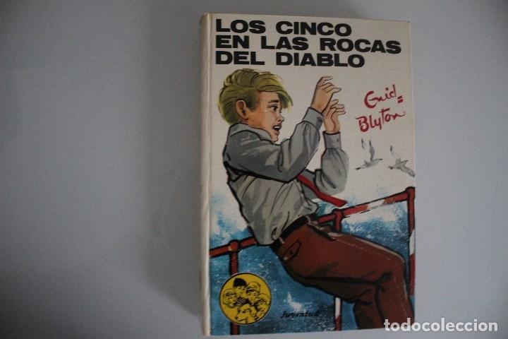 LOS CINCO EN LAS ROCAS DEL DIABLO (Libros de Segunda Mano - Literatura Infantil y Juvenil - Otros)