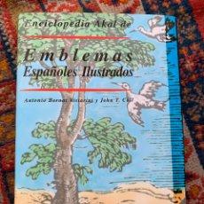 Libros de segunda mano: EMBLEMAS DE ESPAÑOLES ILUSTRADOS EDICIONES AKAL 1999 CONTIENE CD NUEVO. Lote 182702003