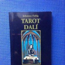 Libros de segunda mano: TAROT DALI JOHANNES FIEBIG. Lote 183579636