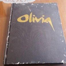 Libros de segunda mano: LIBRO THE ART OF OLIVIA ARTISTA DIBUJOS. Lote 184769175