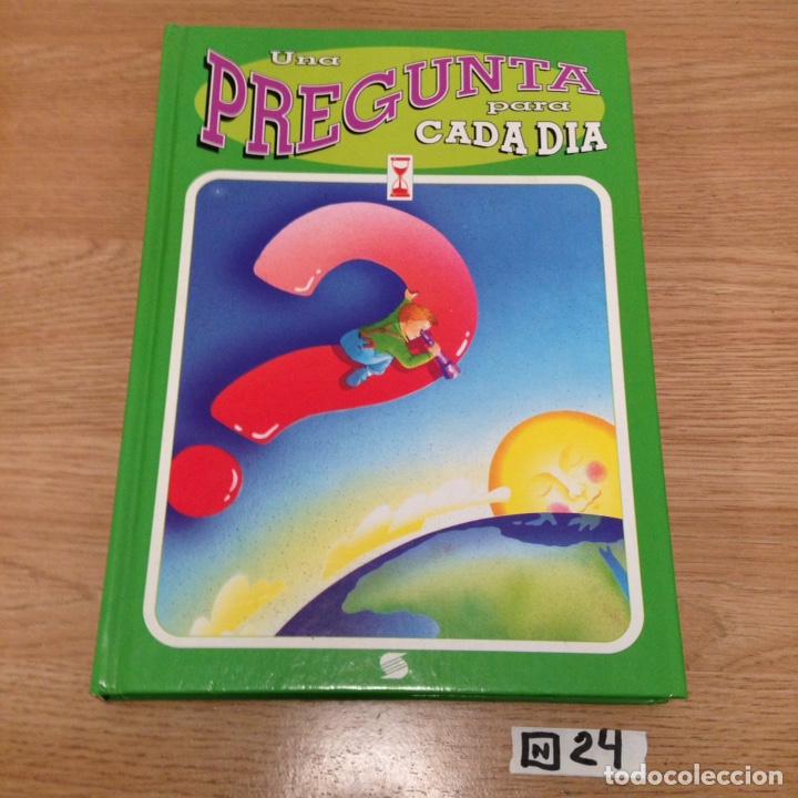 UNA PREGUNTA PARA CADA DÍA (Libros de Segunda Mano - Literatura Infantil y Juvenil - Otros)