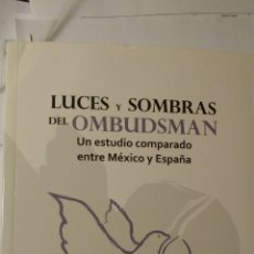 Libros de segunda mano: LUCES Y SOMBRAS DEL OMBUSDMAN. Lote 191352680