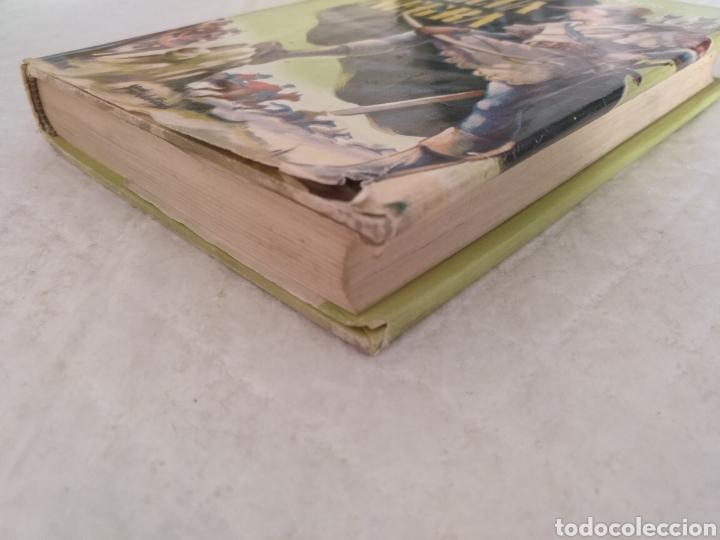 Libros de segunda mano: La flecha negra. R L Stevenson. Portada e ilustraciones Fariñas. Colección juvenil cadete 11. Libro - Foto 5 - 191987428