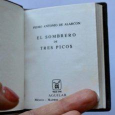 Libros de segunda mano: EL SOMBRERO DE TRES PICOS -CRISOL Nº033 1971 TOLLE LEGE (8,2 X 6,7 CM). Lote 194488390