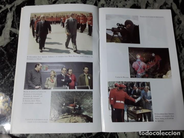 Libros de segunda mano: Historia de la Policía Autónoma Vasca 1936-2006, de Cirilo Davila. ETA. Escaso, unico en tc. - Foto 3 - 194887832
