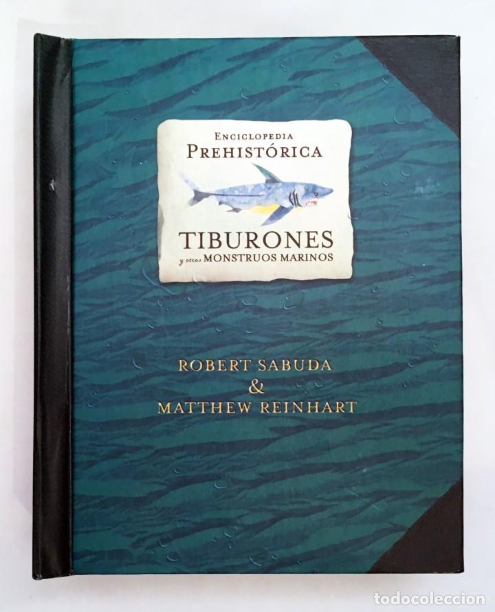 Libros de segunda mano: LIBRO DESPLEGABLE POP-UP - ENCICLOPEDIA PREHISTÓRICA, TIBURONES Y OTROS MONSTRUOS MARINOS - MONTENA - Foto 2 - 194906235