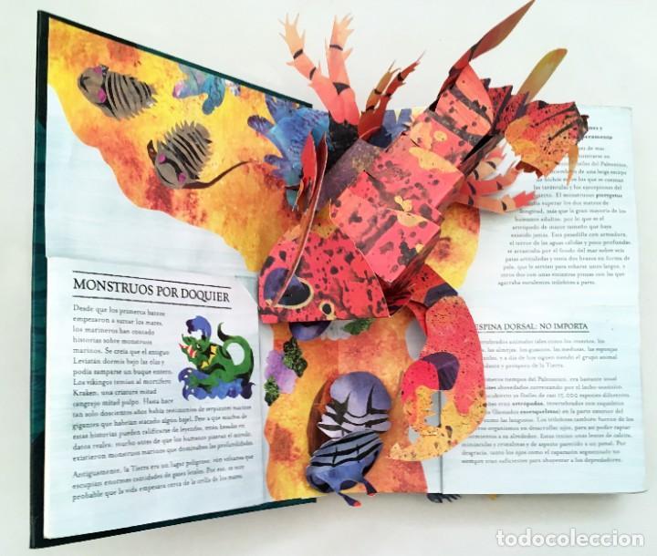 Libros de segunda mano: LIBRO DESPLEGABLE POP-UP - ENCICLOPEDIA PREHISTÓRICA, TIBURONES Y OTROS MONSTRUOS MARINOS - MONTENA - Foto 6 - 194906235