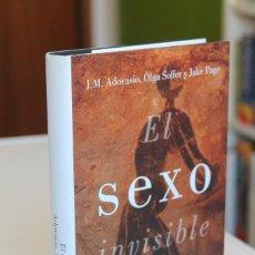 Libros de segunda mano: ADOVASIO, SOFFER Y PAGE - EL SEXO INVISIBLE. UNA NUEVA MIRADA A LA HISTORIA DE LAS MUJERES - LUMEN. Lote 195116237