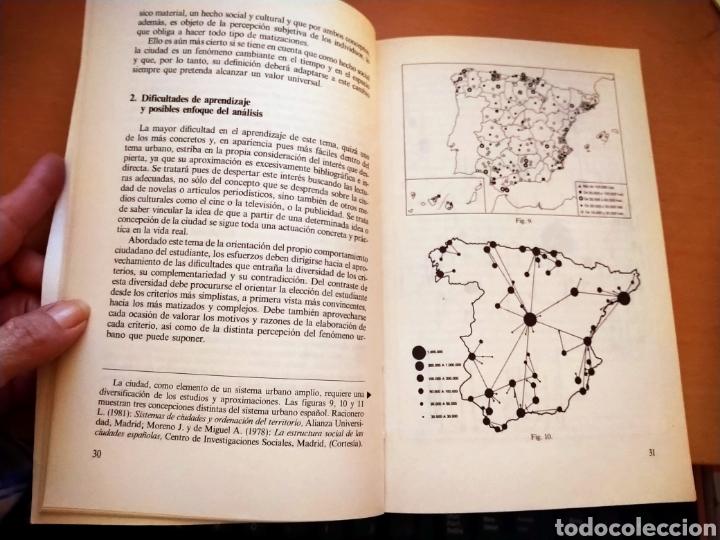 Libros de segunda mano: LA CIUDAD. ENSEÑANZAS DEL FENÓMENO URBANO. ANAYA, 1983. - Foto 2 - 195423356