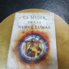 Libros de segunda mano: LA MUJER DE LAS NUEVE LUNAS (CARMEN TORRES RIPA) PLAZA JANES. Lote 195529410
