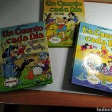 Libros de segunda mano: LOTE 3 TOMOS UN CUENTO CADA DIA. Lote 197223652