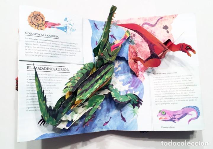 Libros de segunda mano: LIBRO DESPLEGABLE POP-UP - ENCICLOPEDIA PREHISTÓRICA, TIBURONES Y OTROS MONSTRUOS MARINOS - MONTENA - Foto 10 - 194906235