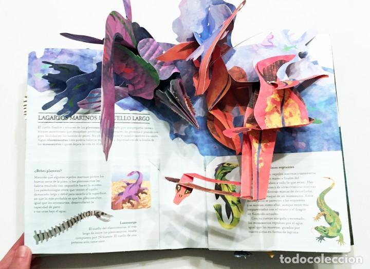 Libros de segunda mano: LIBRO DESPLEGABLE POP-UP - ENCICLOPEDIA PREHISTÓRICA, TIBURONES Y OTROS MONSTRUOS MARINOS - MONTENA - Foto 13 - 194906235