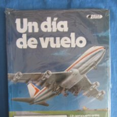 Libros de segunda mano: UN DIA DE VUELO. ED. CLIPER PLAZA&JANES. EN BLISTER ORIGINAL. Lote 198527178