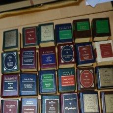 Libros de segunda mano: 26 LIBROS MINIATURA. Lote 199458015