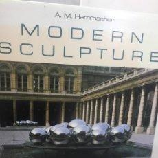 Libros de segunda mano: MODERN SCULPTURE TRADITION AND INNOVATION HAMMACHER ABRAMS, INC, NEW YORK 1988. Lote 201530931