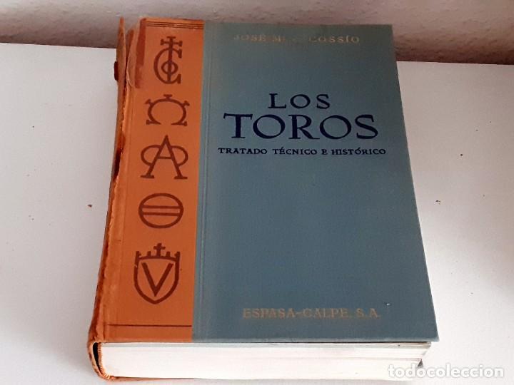 Libros de segunda mano: LOS TOROS TRATADO TECNICO E HISTORICO, 4 tomos. ESPASA CALPE S.A 1967 1965 1969,J MARIA COSSIO - Foto 2 - 203622040