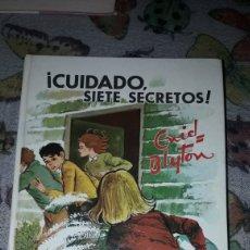 Libros de segunda mano: CUIDADO SIETE SECRETOS . ENYD BLYTON. SEGUNDA EDICION JUVENTUD DE 1968.. Lote 206148972