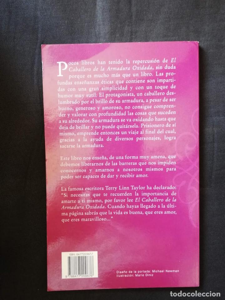 Libros de segunda mano: EL CABALLERO DE LA ARMADURA OXIDADA - ROBERT FISHER - Foto 2 - 206913431