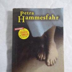 Libros de segunda mano: LA HERMANA DE ROBERT - PETRA HAMMESFHR. Lote 208014841
