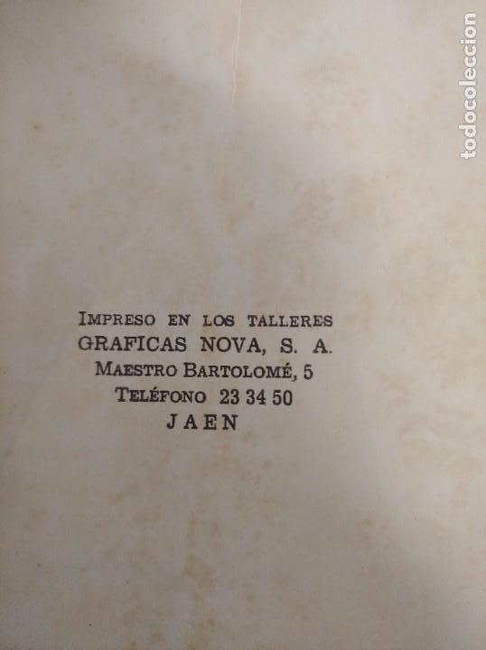Libros de segunda mano: Antiguo libro de la autoescuela gaditana. - Foto 2 - 208323032