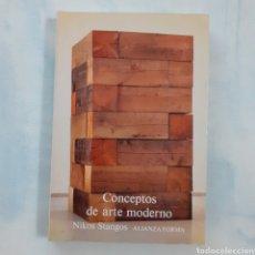 Libros de segunda mano: CONCEPTOS DE ARTE MODERNO. NIKOS STANGOS. ALIANZA FORMA. 4.ª REIMPRESION 1994. 336 PGS. 23 X 15,5 CM. Lote 208352675