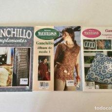 Libros de segunda mano: LOTE DE 3 REVISTAS GUIA GANCHILLO PUNTILLAS COMPLEMENTOS-DE VEGA-MANOS MARAVILLOSAS. Lote 208404655
