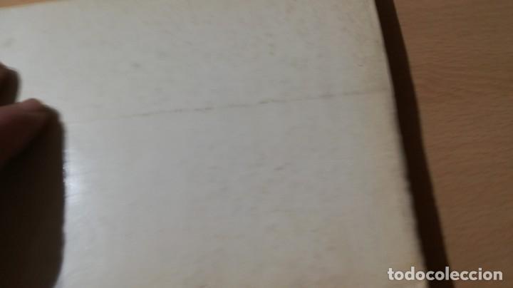 Libros de segunda mano: COMO JUGAR Y VENCER A LAS CARTAS - DE VECCHI - J Mª AYMAMI U-104 OTROS - Foto 2 - 209772578