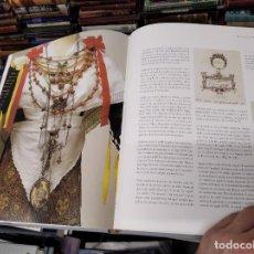 Libros de segunda mano: LA JOIERIA A LES ILLES BALEARS ( MALLORCA ,MENORCA ,EIVISSA ). ELVIRA GONZÁLEZ . 1ª EDICIÓ 2002 .. Lote 210347005